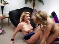 Teen MILF Blonde Big Butts